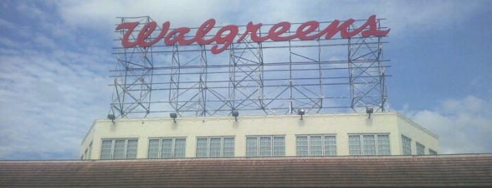 Walgreens is one of Locais curtidos por #Chinito.