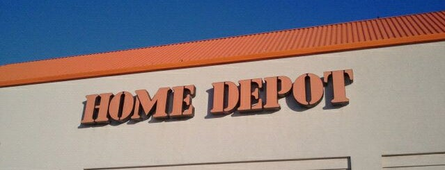 The Home Depot is one of สถานที่ที่ Youssef ถูกใจ.