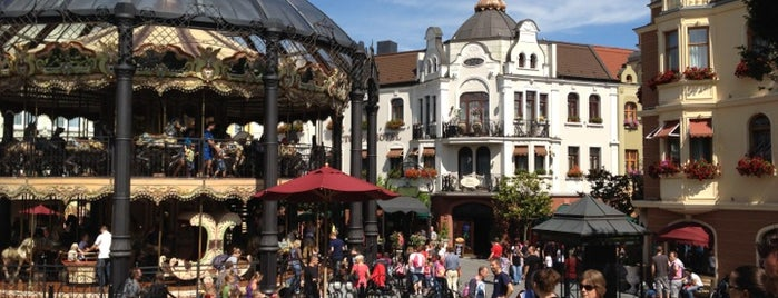 Phantasialand is one of Locais curtidos por Volker.
