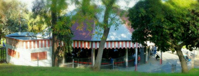 Griffith Park Merry-Go-Round is one of Tempat yang Disimpan Neesa.