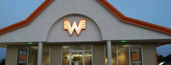 Whataburger #851 is one of Locais curtidos por Andres.