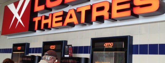 AMC Loews Galleria Metroplex 16 is one of Daveさんのお気に入りスポット.