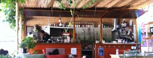 Kuytu Cafe & Bar is one of Kaş.