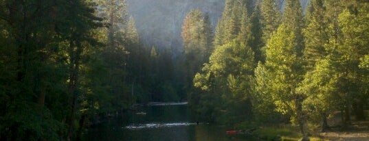 Yosemite National Park is one of Scenic Route: US West Coast.