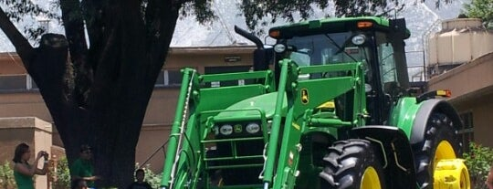Industrias John Deere is one of Poncho 님이 좋아한 장소.