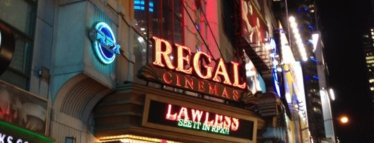 Regal E-Walk 4DX & RPX is one of Lugares favoritos de Will.