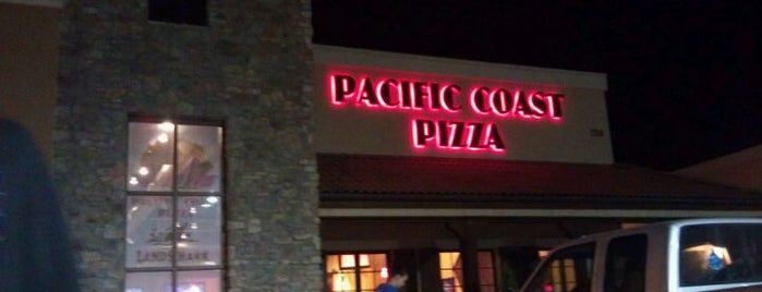 Pacific Coast Pizza is one of Ginaさんのお気に入りスポット.