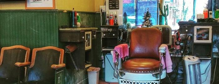 Corner Barber Shop is one of Orte, die James gefallen.