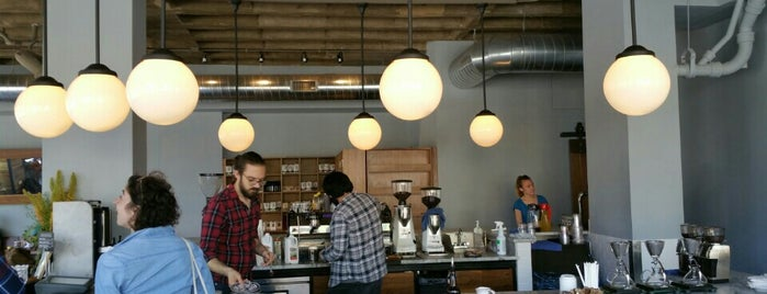 La Colombe Coffee Roasters is one of Orte, die Adam gefallen.