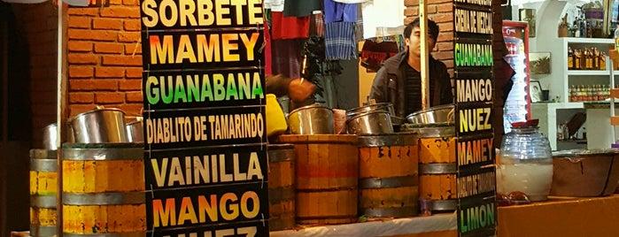 Nieves Cholita is one of Orte, die Antonio gefallen.