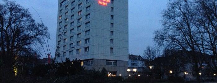 Leonardo Hotel Karlsruhe is one of Posti che sono piaciuti a Thom.