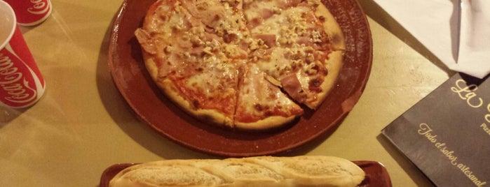 Pizzeria Tahona is one of Sitios para comer bien.
