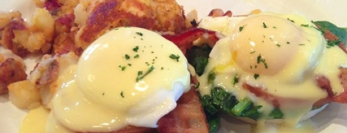Mimi's Café is one of Vegas Breakfast.