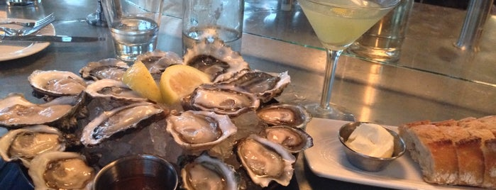 Taylor Shellfish Oyster Bar Queen Anne is one of Lugares favoritos de Cusp25.