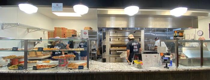 ElMar's New York Pizza is one of Posti che sono piaciuti a Jeremy.