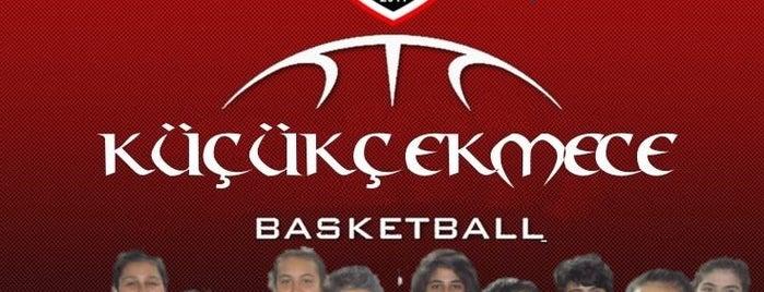 Küçükçekmece Basketbol Gençlik ve Spor Kulübü is one of Locais curtidos por Okur.