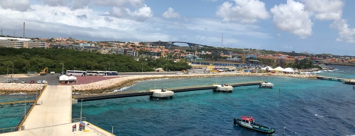 Port Of Curaçao is one of BECKY : понравившиеся места.
