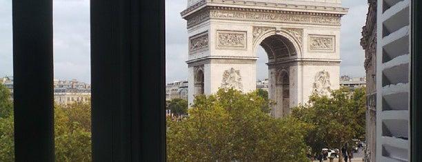 Hôtel Splendid Étoile is one of Lieux qui ont plu à Ba$aR.