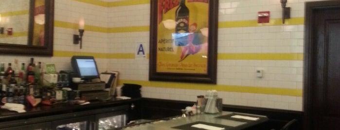 Brasserie La Vie is one of Dan'ın Beğendiği Mekanlar.