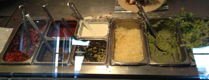 Chipotle Mexican Grill is one of Lauren'in Beğendiği Mekanlar.