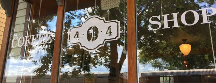 404 Coffee Shop is one of Tempat yang Disukai Jonathan.