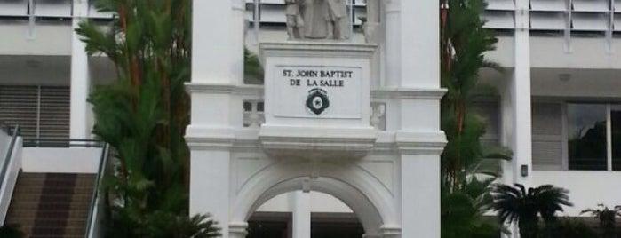 St. Joseph's Institution is one of Locais curtidos por MAC.
