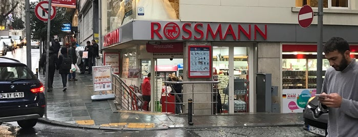Rossmann is one of Orte, die Emre gefallen.