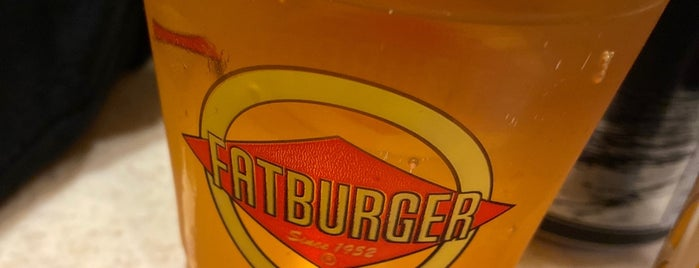 Fatburger is one of Lugares favoritos de David.