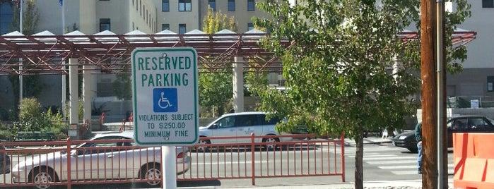 VA Medical Center is one of Orte, die Angelle gefallen.