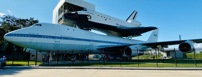 Space Shuttle Independence is one of Aptravelerさんのお気に入りスポット.