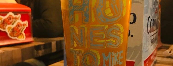 El Honesto Mike is one of Locais curtidos por Patricio.