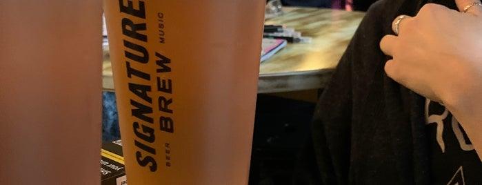 Signature Brew Taproom & Venue is one of Orte, die Carl gefallen.
