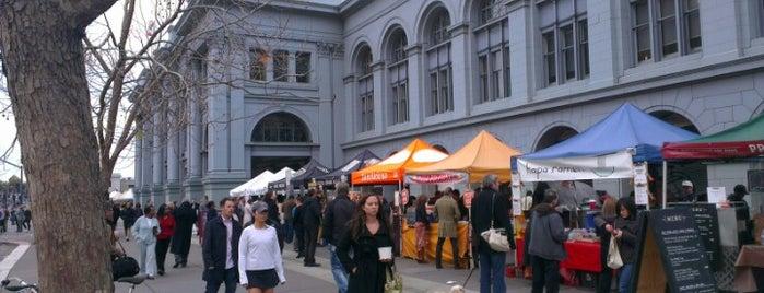 Ferry Plaza Farmers Market is one of SF Bucket List.