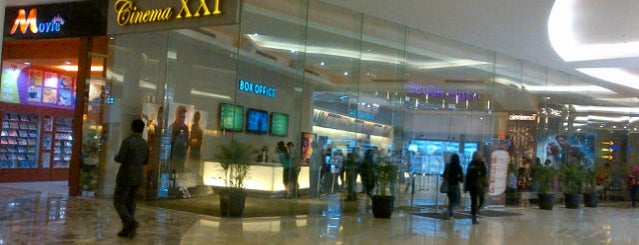 Kasablanka XXI is one of Locais curtidos por Runes.