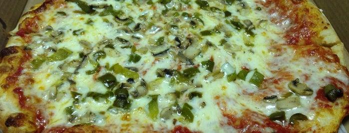 New York J & P Pizza is one of Orte, die Lori gefallen.
