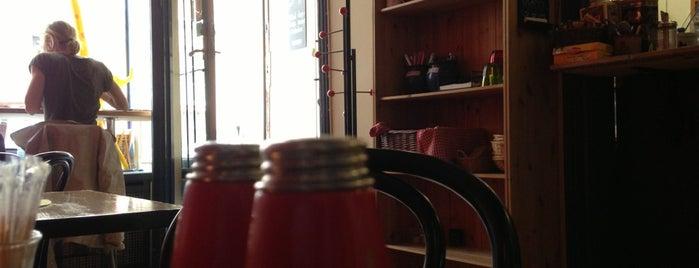 Rialto mat & café is one of Tempat yang Disukai Clarissa.