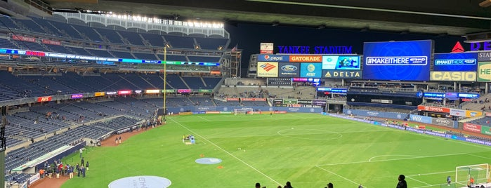 NYCFC @ Yankee Stadium is one of Orte, die Guha gefallen.