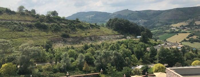 Vadi 54 Kız ve Erkek Öğrenci Yurtları is one of Lugares favoritos de Burak.