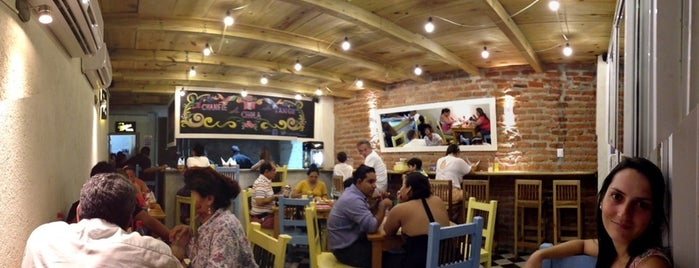La Placita Burger is one of Orte, die Natalie gefallen.