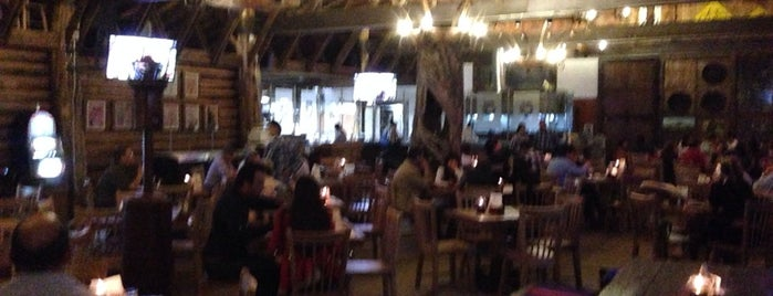 Brasas Parrilla Bar - Llanogrande is one of Alejandra : понравившиеся места.
