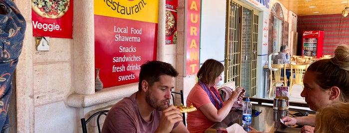 Mystic Pizza is one of Lugares favoritos de Xavi.