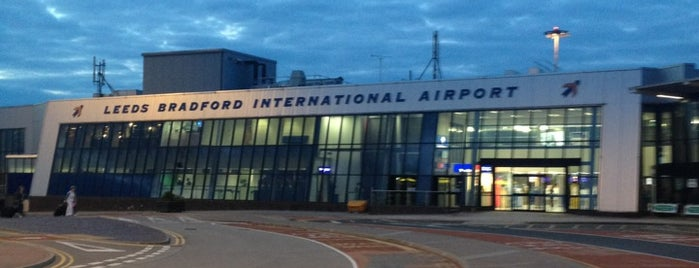 Leeds Bradford International Airport (LBA) is one of Posti che sono piaciuti a Andrew.