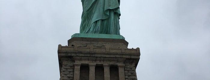 自由の女神像 is one of Nueva York.