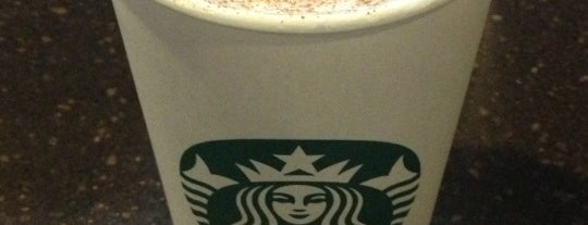 Starbucks is one of Lieux qui ont plu à Emily.