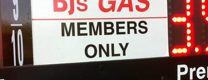 BJ's Gas is one of Lindsayeさんのお気に入りスポット.