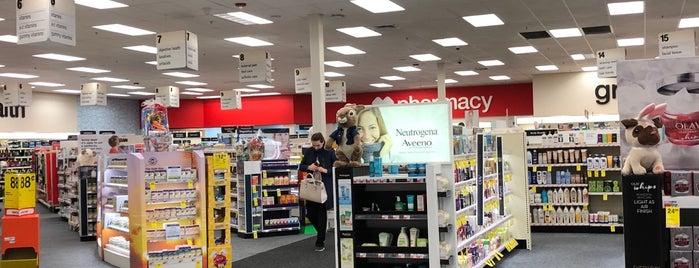 CVS/Pharmacy is one of Orte, die Lindsaye gefallen.