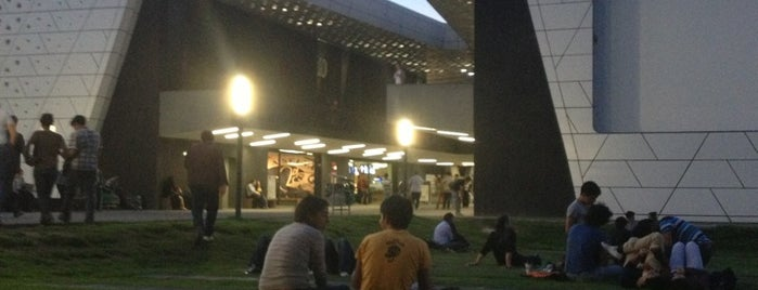 Cineteca Nacional is one of Favoritos.