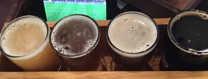 Beer Shop NYC is one of Orte, die Gennady gefallen.