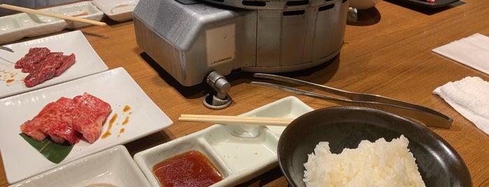焼肉本舗 ぴゅあ is one of Locais curtidos por Masahiro.