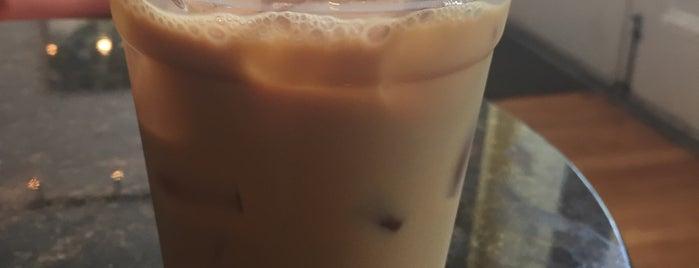 Indulge Coffee & Sandwich Co. is one of สถานที่ที่ Stefan ถูกใจ.